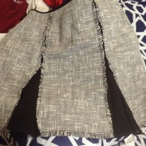 Tweed skirt with slits